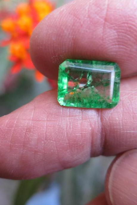 loose emerald natural emerald colombian emerald